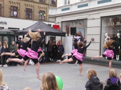 street performancw