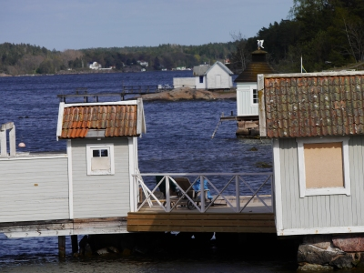 Boat houses on way to Sandholm
