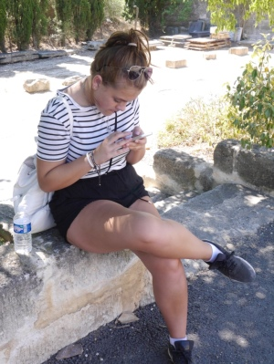 How Maddy occupied herself whilst we wandered the cemetry ... Ugh, it's full of dead people!