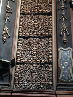 Chiesa di San Bernardino alle Ossa. Every wall of the chapel is lined with bones.