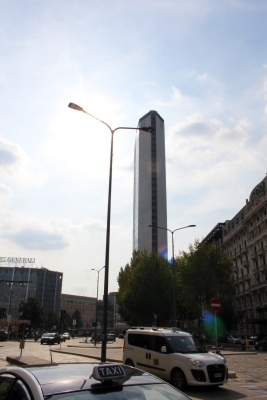 Pirelli Tower: a law had to be reminded so that it could be built higher than the Cathedral. A model of the cathedrals Madonna is on top, but not visible.